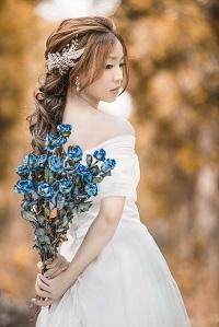 結婚するべきかどうか迷っている女性